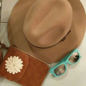 Hat, sunglasses and clutch